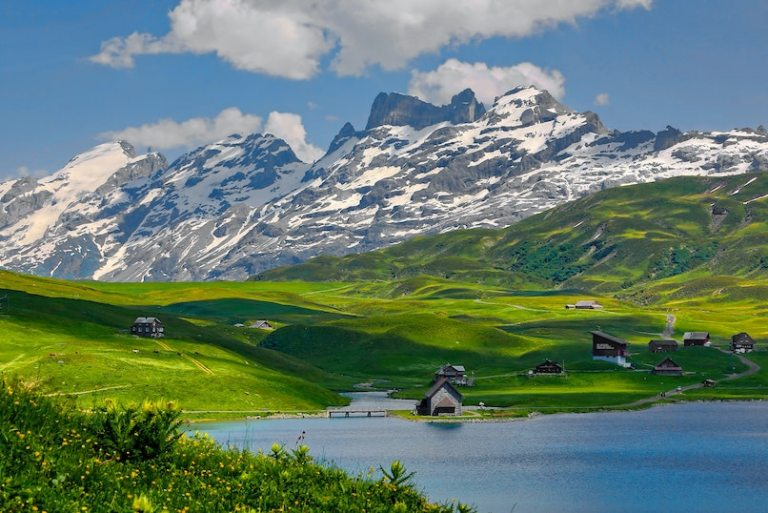 reopening switzerland to tourists