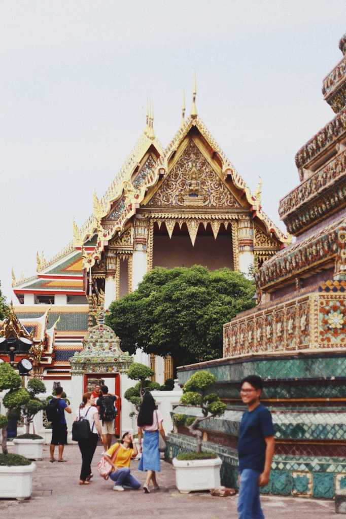 tourists at temple in thailand (1)