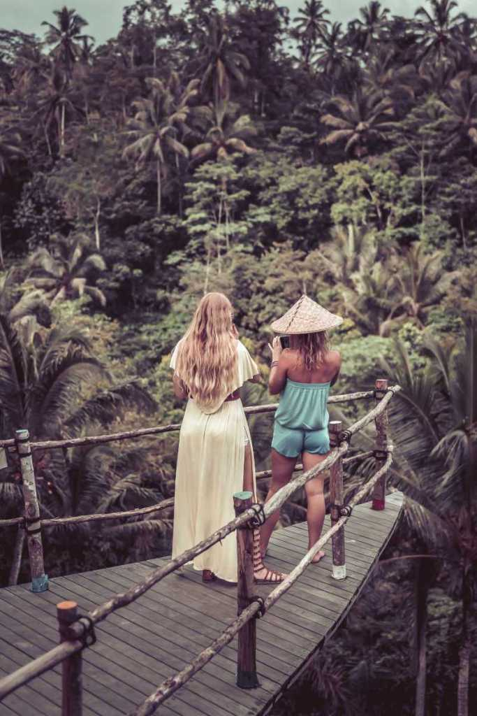 Autralian-women-tourists-ovrlooking-jungle-in-bali