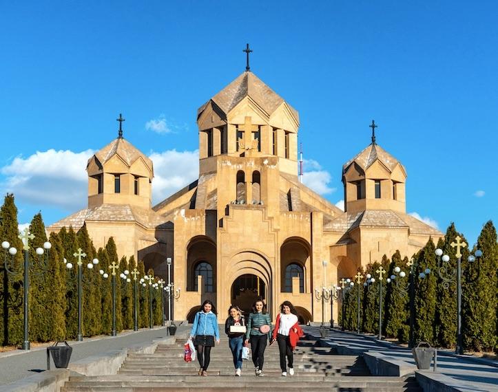 armenia reopens borders