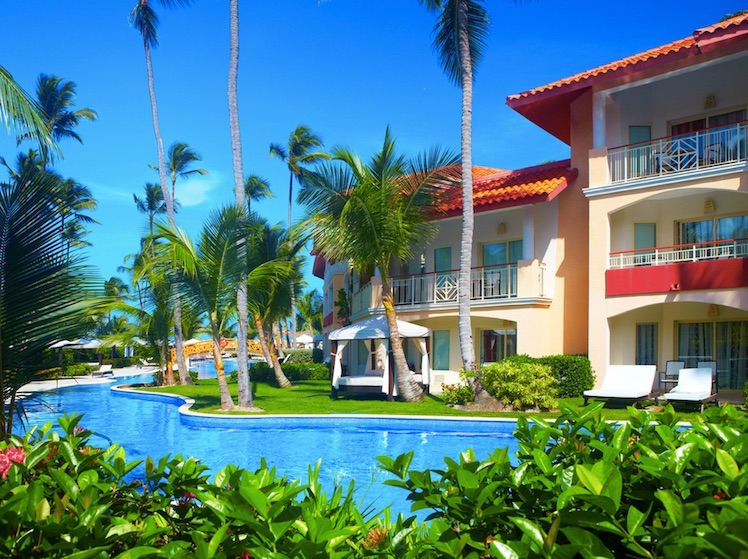 list of open hotels in dominican