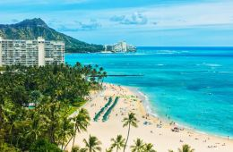 Hawaii Sees 8000 Tourists Arrive On Reopening Day After Quarantine Dropped