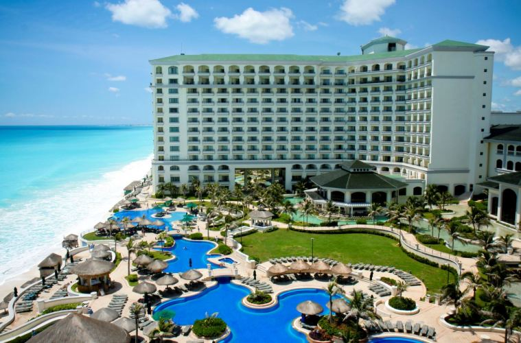 Cancun Hotels Increase Occupancy To 80% To Keep Up With Holiday Demand