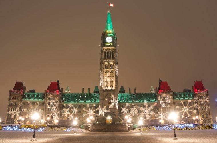 Christmas Travel Plans Disrupted As Ontario & Quebec Tighten Lockdowns