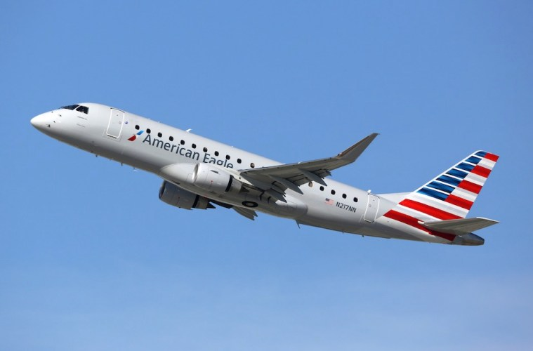 American and Alaska Airlines Change Service Animal Policies After US DOT Ruling