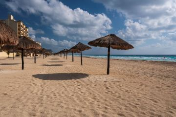 Americans Cancel Trips Amid New Restrictions Devastating Mexico Tourism