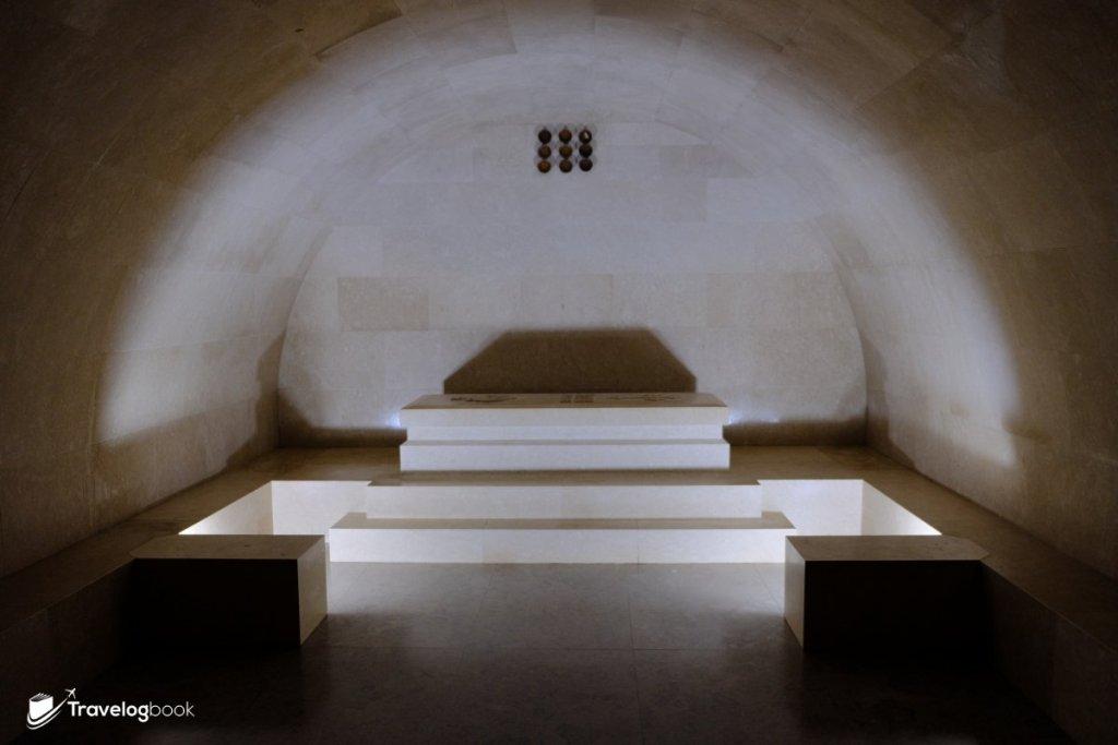 石室也開放給到訪者憑弔或參觀。