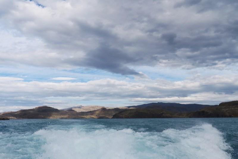 Mit dem Katamaran über den Lago Pehoe