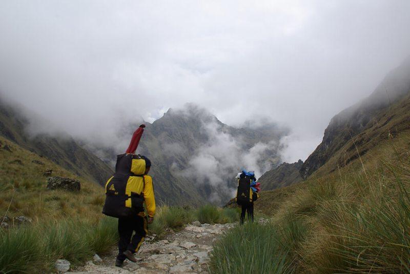Träger auf dem Inka Pfad