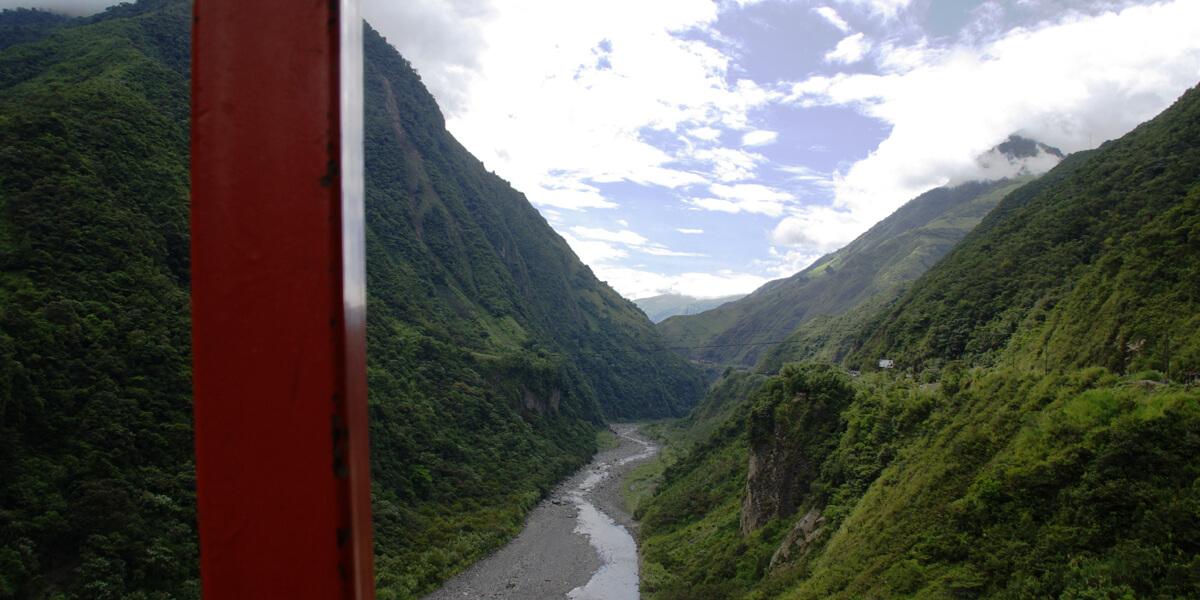 Wanderung durch das Tal des Rio Pastaza bei Banos