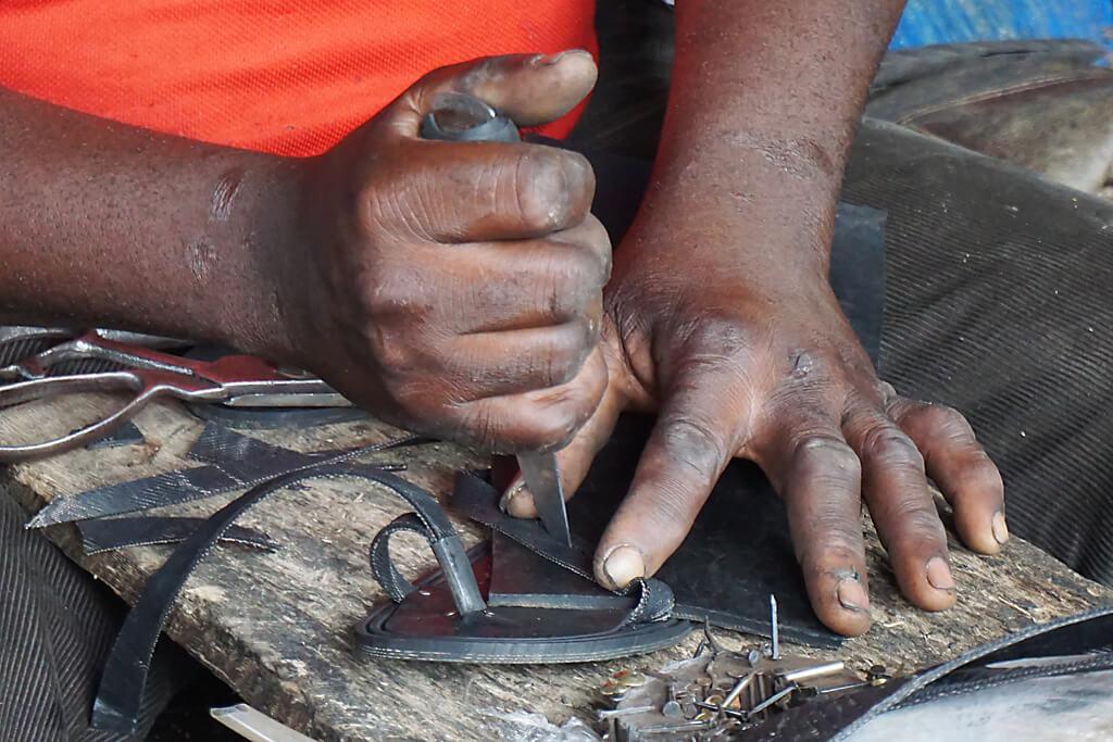 Handwerker bei der Arbeit in Atakpamé in Togo