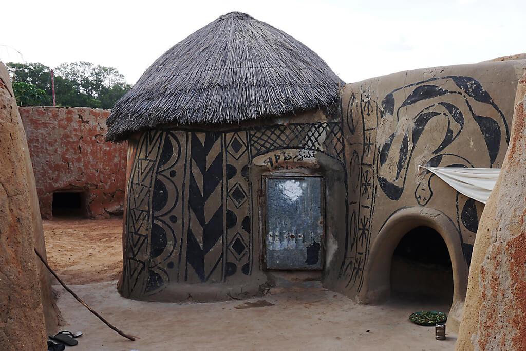Leben im Court Royal von Tiebele in Burkina Faso