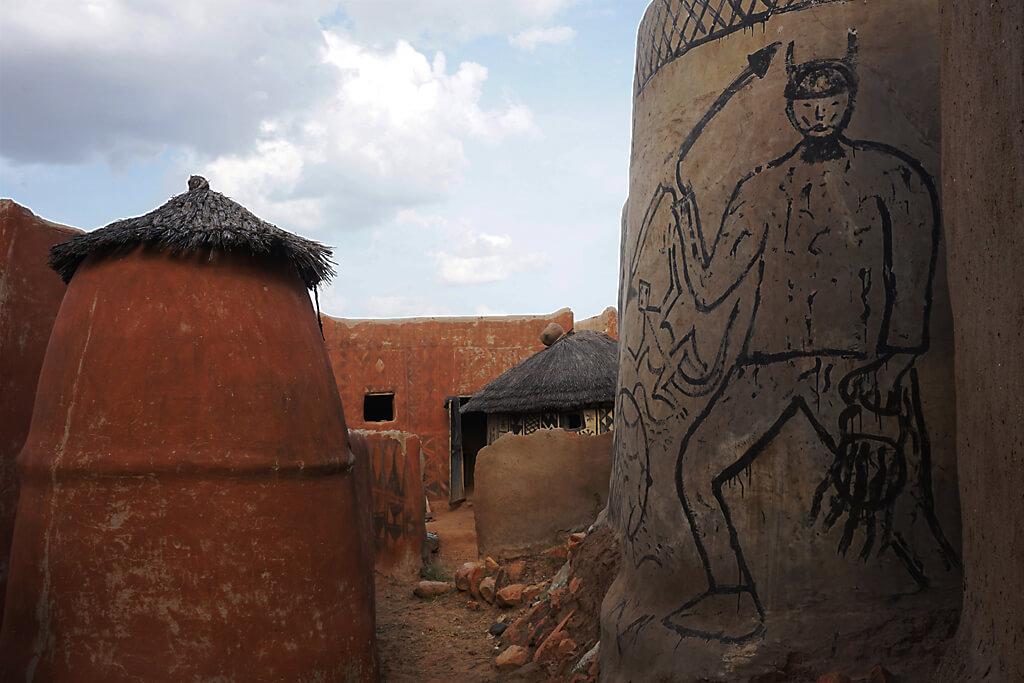 Zeichnungen in Tiebele Burkina Faso