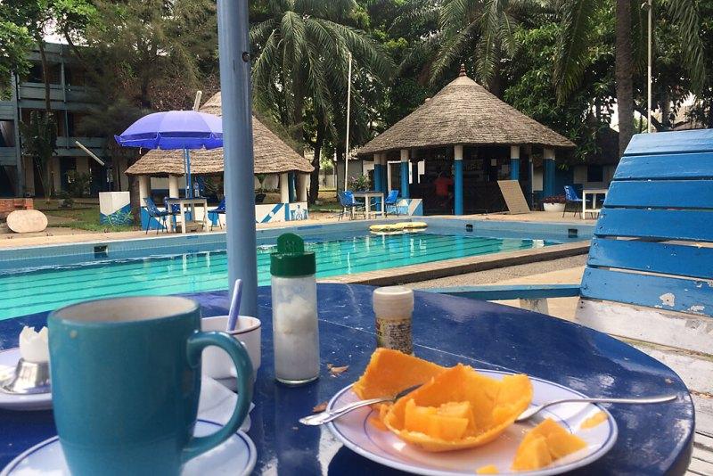 Pool im Hotel Fower de marines in Lome