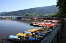 Elektro- & Tretboote mietest du direkt an der Uferpromenade