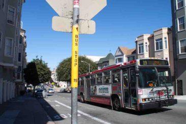 San_Francisco_Bushaltestelle_gelb_bearbeitet-1