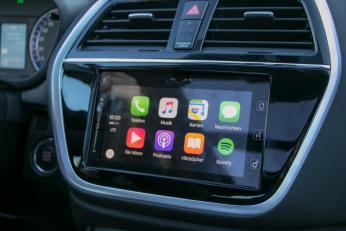 Pro und Contra in einem: Apples CarPlay wird zwar unterstützt, CD-Player gibt es aber in den höheren Ausstattungsvarianten keinen!