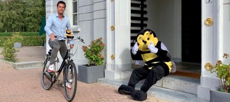 Directeur Joost Bekers op de fiets