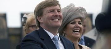 Koning bij viering 100 jaar luchtvaart in Nederland