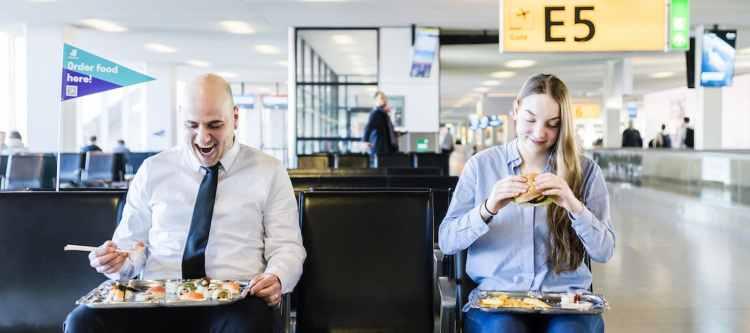 Schiphol: maaltijdbezorging aan de gate door