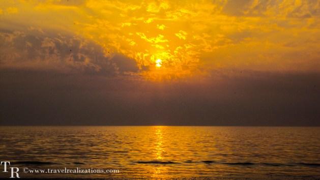Travel Realizations, Sunsets, Mumbai, juhu beach.