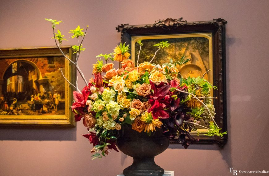 Bouquets To Art – When art blooms in San Francisco!