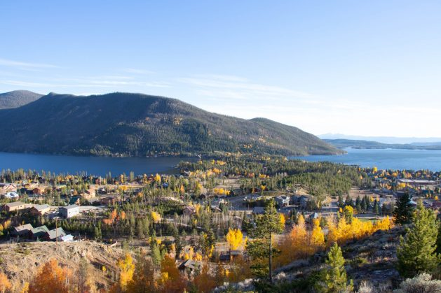 A fall foliage in Grand Lake, Colorado, Travel Realizations