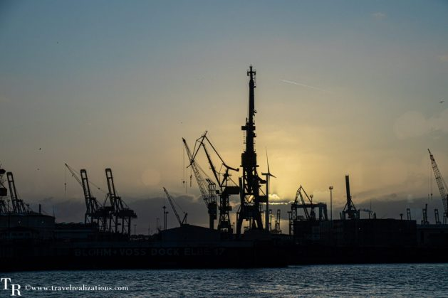 Hamburg the Hanseatic harbor city, Travel Realizations,  Hamburg Port