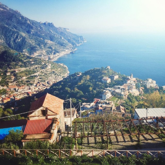 Stunning views today overlooking #Minori & #Marmarata from the Ravello side in the gorgeous midday Italian sun. Perfect getaway for anyone wanting some warm weather. #seizethesun