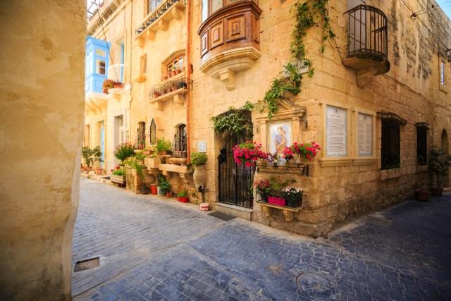 traditional village alley; Rabat/Mdina, Malta