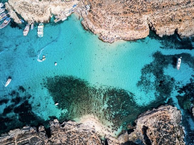 Blue Lagoon, Camino