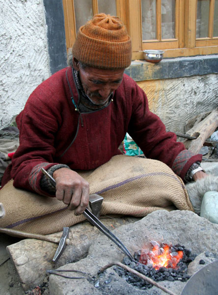 ladakh old man markha valley trek on a budget hike