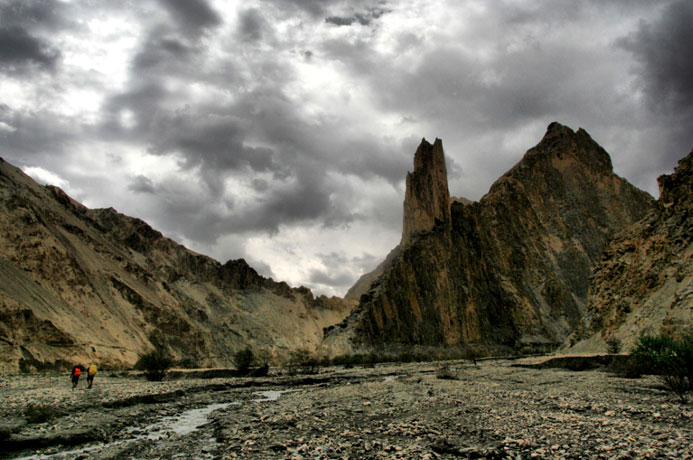 markha valley trek on a budget hike ladakh india