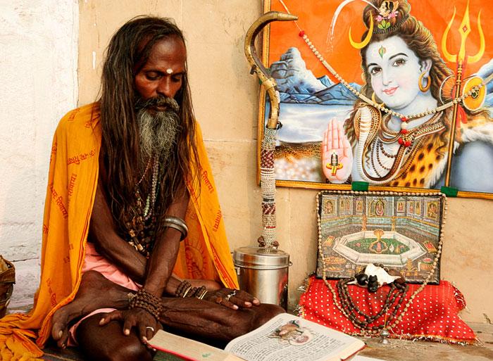 india saddhus gurus amazing things to do in varanasi
