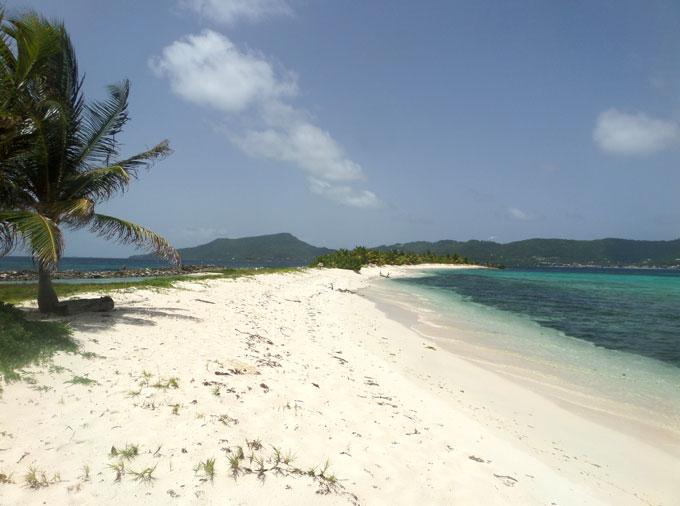 sandy island carriacou backpacking in grenada