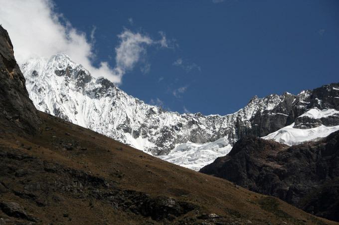 mountains Santa Cruz trek on a budget
