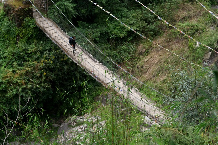 annapurna base camp sanctuary bridge