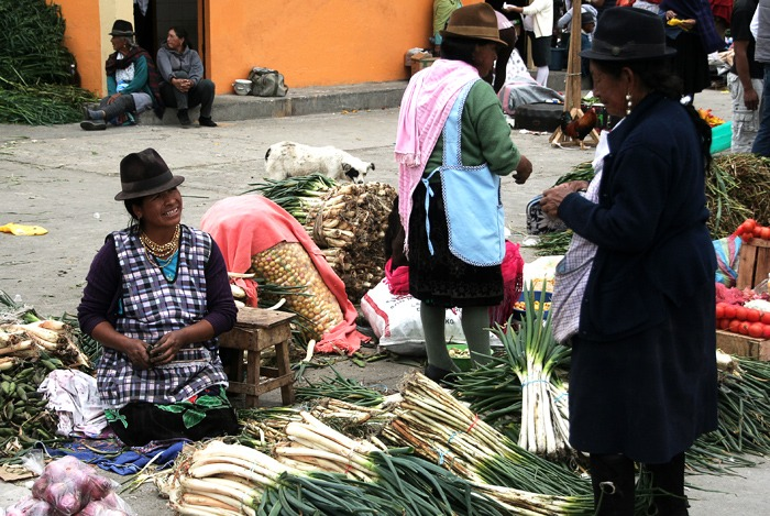 hiking the quilotoa loop siquisili market