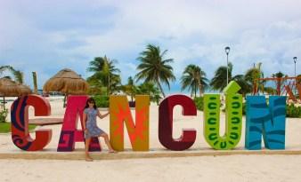 Cancun-Buchstaben im Park Playa Langosta