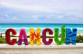 Cancun-Buchstaben auf Playa Delfines
