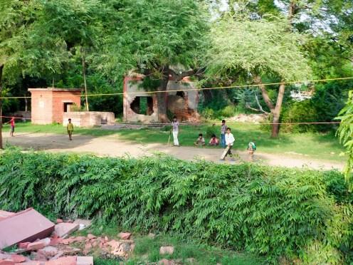 Kinder Cricket spielen Agra Indien