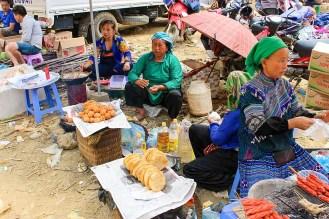 Can Cau Saturday Market Vietnam
