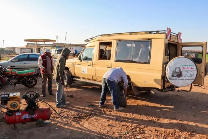 Reifenwechsel Panne Kenia
