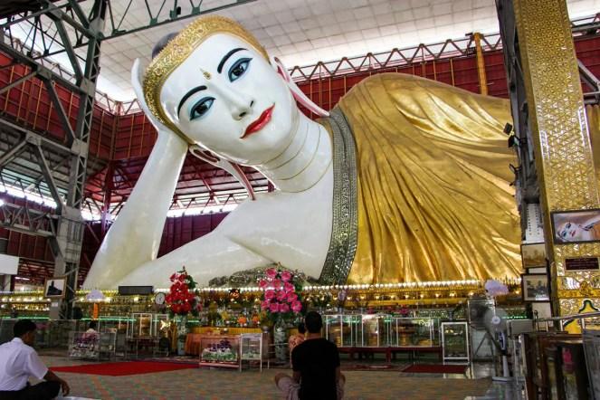 Chauk Htat Gyi Liegender Buddha