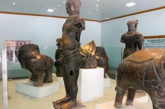 Bronze Statuen Mahamuni Pagode