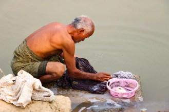 Wäsche waschen Fluss Inwa