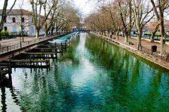 Canal du Vasse in Annecy im Winter
