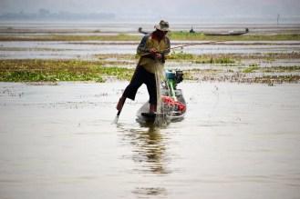 Einbeinruderer Fischer auf dem Inle-See