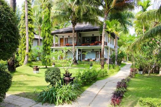 Gartenanlage in dem Thande Beach Hotel Ngapali