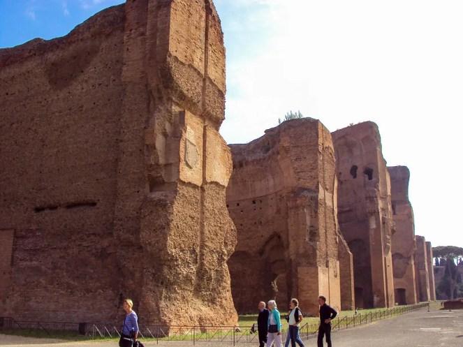 Caracalla-Thermen von außen